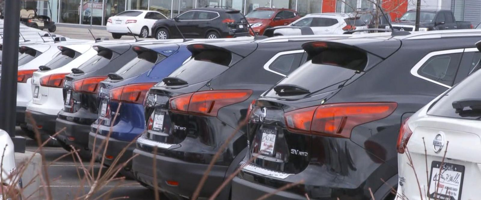 Sticker price savings on cars sold on Black Friday