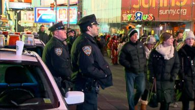 'VIDEO:NYPD ramps up security for Times Square's New Year's Eve celebration' from the web at 'http://a.abcnews.com/images/WNT/171230_wn_moore2_16x9_384.jpg'