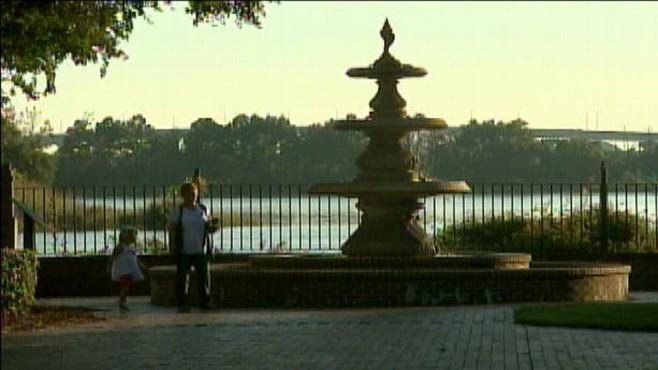 VIDEO: ABCs Sharyn Alfonsi hears how one South Carolina town is adapting.