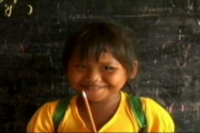 VIDEO: Unique charity builds schools for impoverished children around the world.