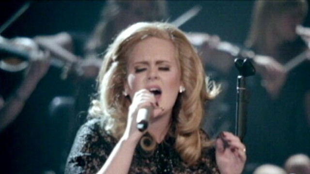 VIDEO: Singer known for her unique voice underwent surgery to save her vocal cord.