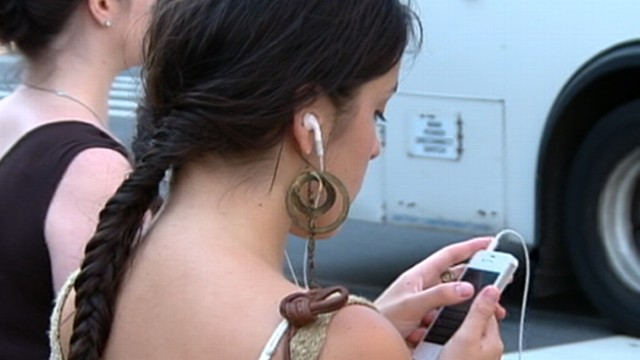 VIDEO: The popular headphone design may damage hearing.