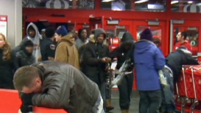 VIDEO: Shoppers trampled in Buffalo, N.Y. as bargain hunters storm through store door.