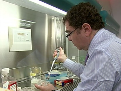 VIDEO: Scientists work on cancer treatments based on individual patients gene makeup.