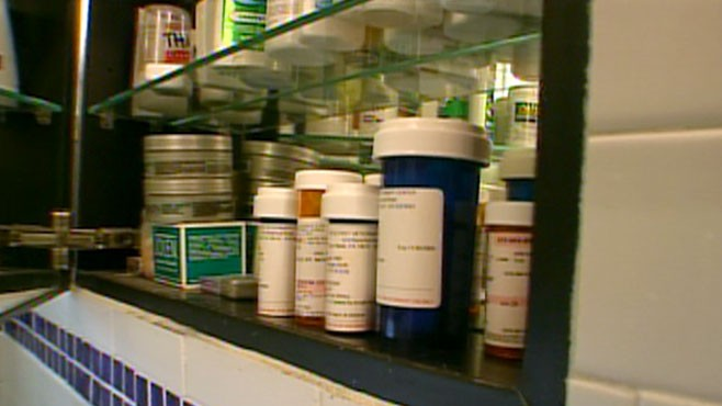 VIDEO: Amount of acetaminophen in prescription painkillers could cause liver damage.