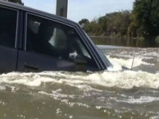 Watch: What to Do: Car Sinking in Water, Only Seconds to React