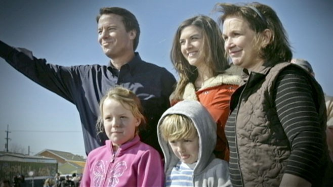 VIDEO: The estranged wife of John Edwards loses a long battle with breast cancer.