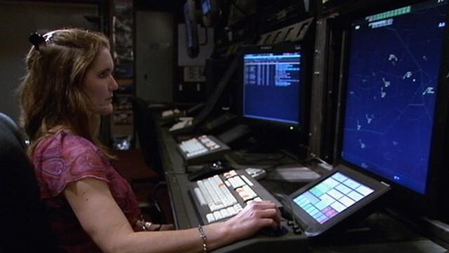 VIDEO: Slurred speech alerted LouElla Hollingsworth that the pilot needed oxygen.