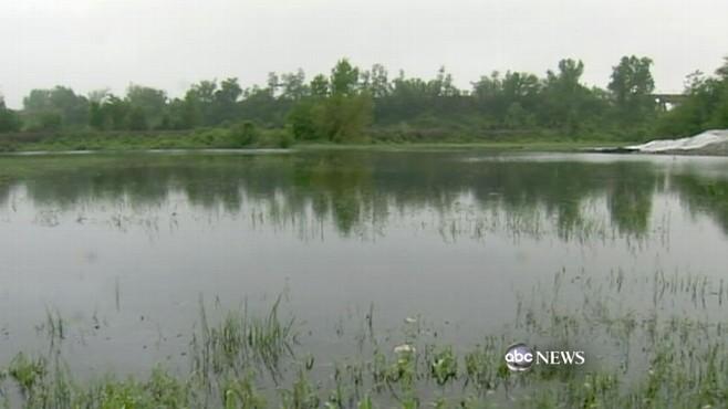 VIDEO: Failing levees create a fight over whether to save valuable land or a community.