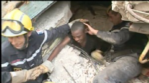 VIDEO: 15 days after the devastating a teenage girl is found alive under the ruble.