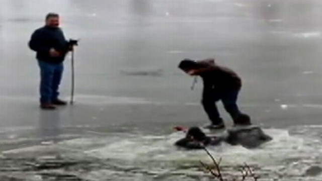 VIDEO: Bob Woodruff explains how to escape from frigid waters.