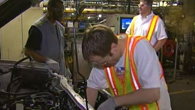 VIDEO: Decrease in hiring raises concerns about another economic downturn.