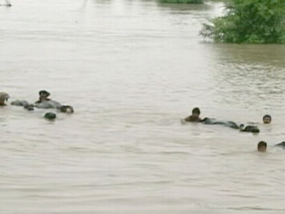 VIDEO: After weeks of floodingin Pakistan the rain keeps coming and rivers keep overflowing.