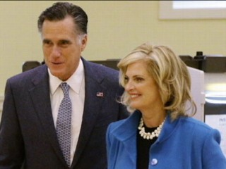 Watch: Mitt Romney's Last-Minute Campaign Stops