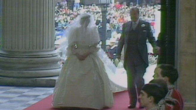 VIDEO: Sharyn Alfonsi talks to women who were little girls when Charles married Diana.