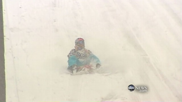 VIDEO: Blizzard leaves wintery mess in the Pacific Northwest after just one day.