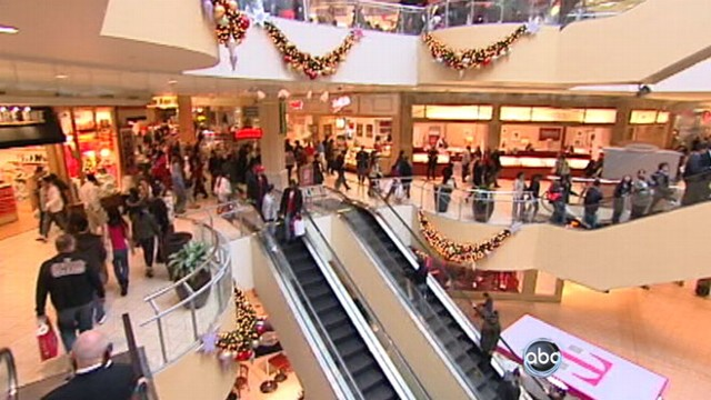 VIDEO: Consumers get ready to find the best deals at the mall and on the Internet.