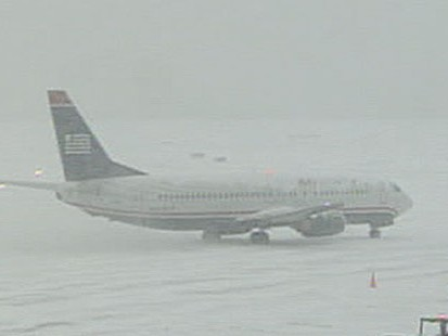 VIDEO: Snow Storm Grounds Planes