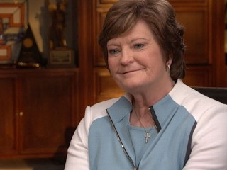 Watch: Pat Summit Faces Personal Challenges Off-Court