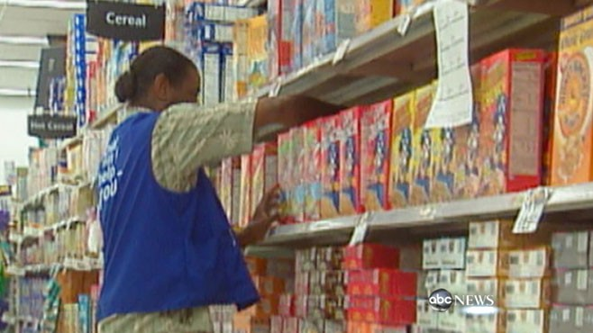 VIDEO: Michelle Obama teams up with U.S.? largest retailer to sell healthier foods.