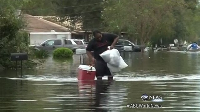 VIDEO: Gulf Coast residents without power as storm heads north through the Midwest.