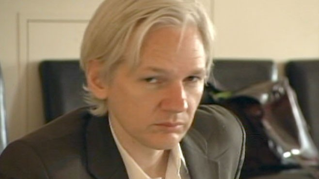 VIDEO: Wikileaks' Julien Assange Ready to Turn Himself In