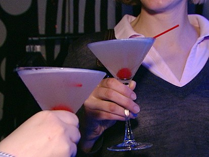 VIDEO: Womens Drinking Danger