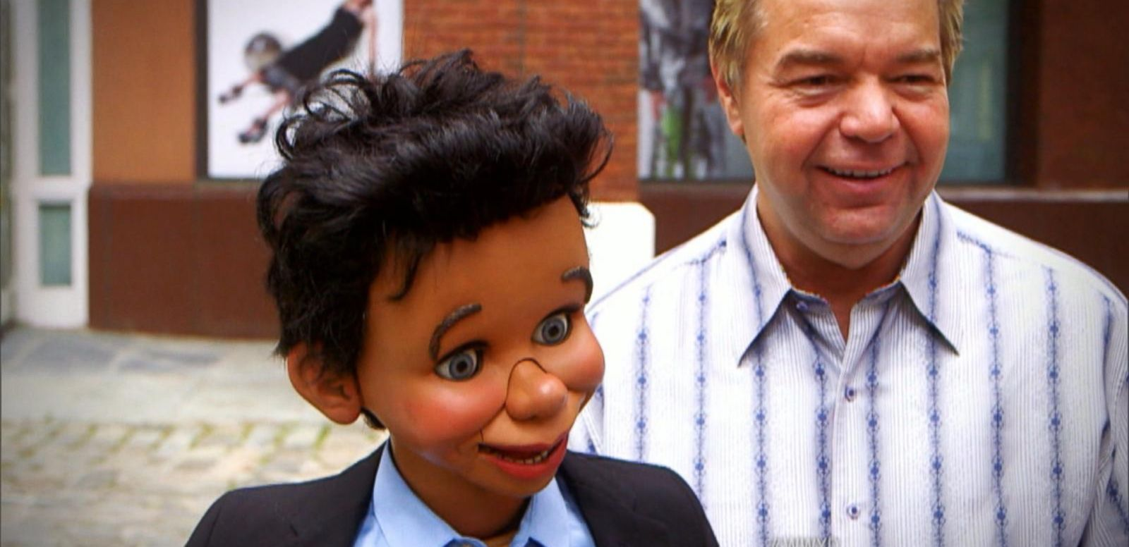 VIDEO: What Would You Do: Rude Ventriloquist Berates Pedestrians
