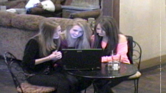 VIDEO: WWYD teen actresses rebuked when trying to bully girl online.