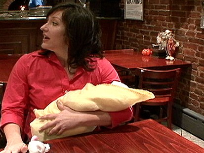 Cafe Manager Berates Breastfeeding Mom