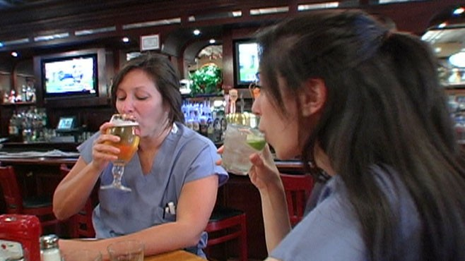 VIDEO: Restaurant patrons gawk as surgeons sink shots. What would you do?