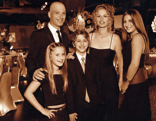 Image: Howie Mandel and Terry Mandel and children