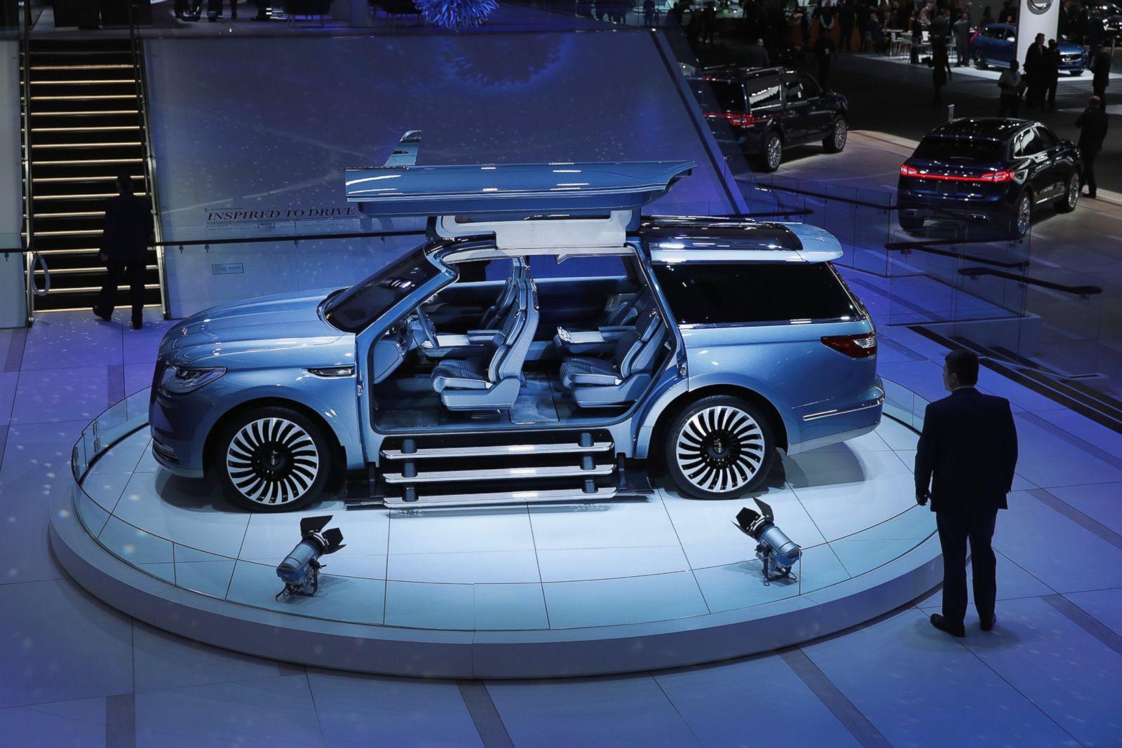 Manhattan Motor Cars >> Lincoln Navigator Picture | Detroit Auto Show: Vehicles Unveiled - ABC News