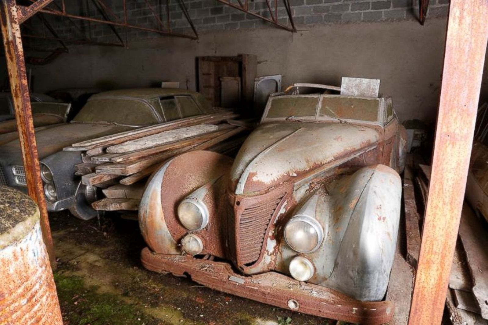 Rare Cars Discovered in French Barn to Be Auctioned Photos ...