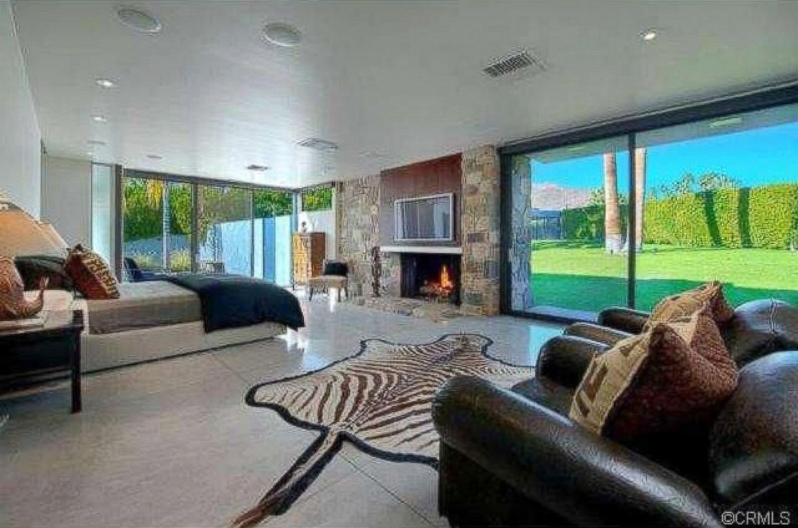 Inside Leonardo Dicaprio S Palm Springs Home Photos Image 1 Abc News