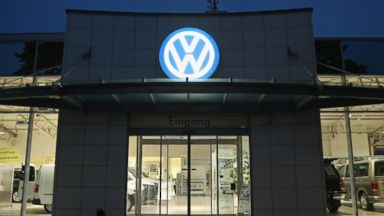 Volkswagen to Compensate Dealers Affected By Emissions Scandal