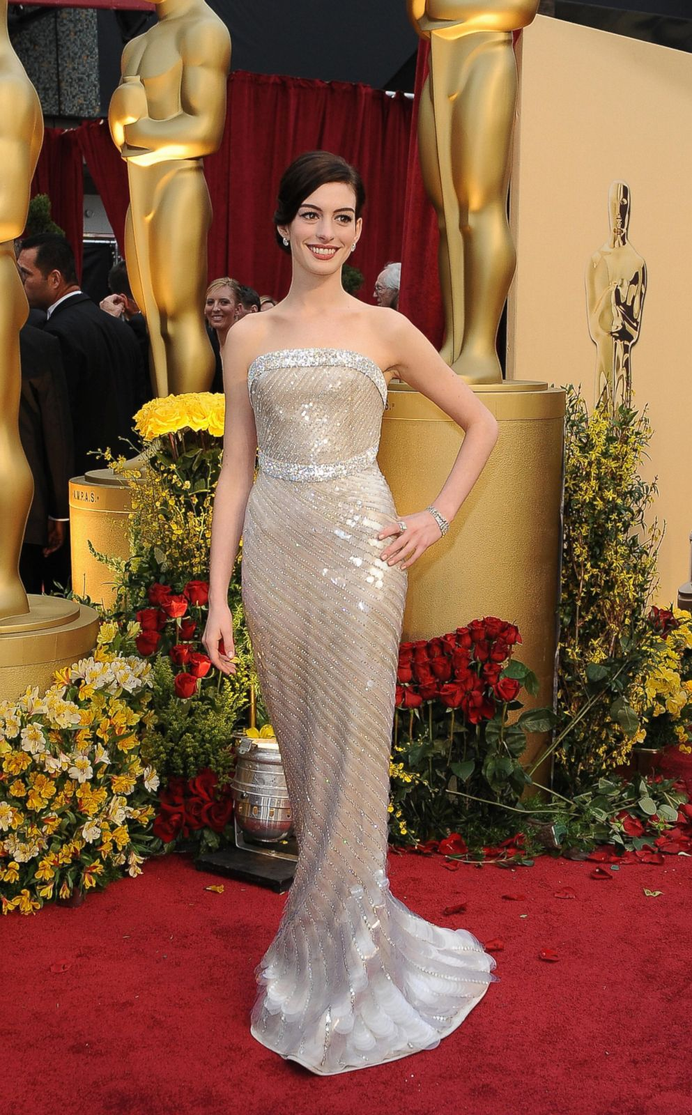 Anne Hathaway in Armani Prive Picture | Best Oscar dresses ...