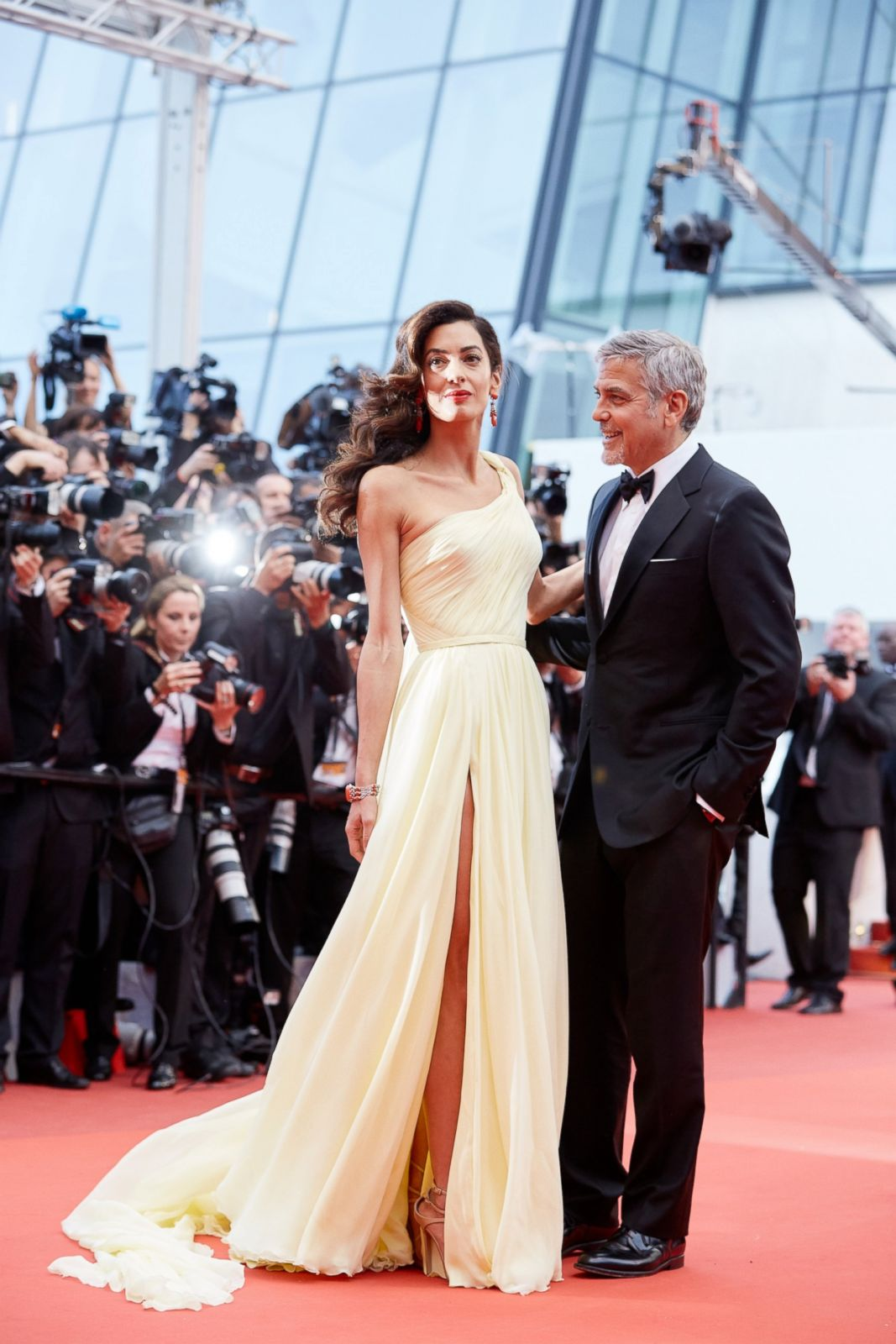 Amal Clooney Dazzles Alongside George Clooney Picture