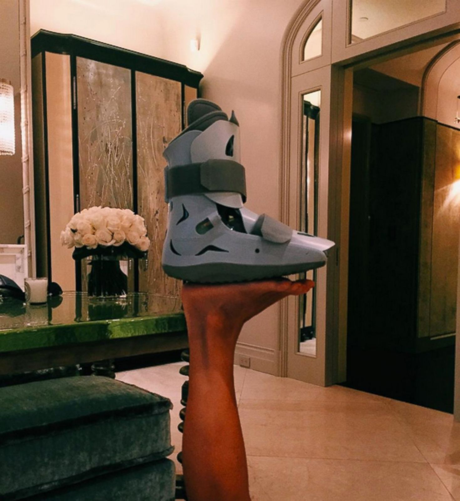 Kelly Ripa Beats the Boot | Tanglewood Foot Specialists