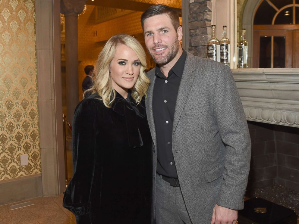 PHOTO: Carrie Underwood (L) and Mike Fisher (R) attend Nashville Shines for Haiti benefiting Sean Penns J/P Haitian relief organization at the Arndt Estate, Oct. 24, 2017 in Brentwood, Tenn.