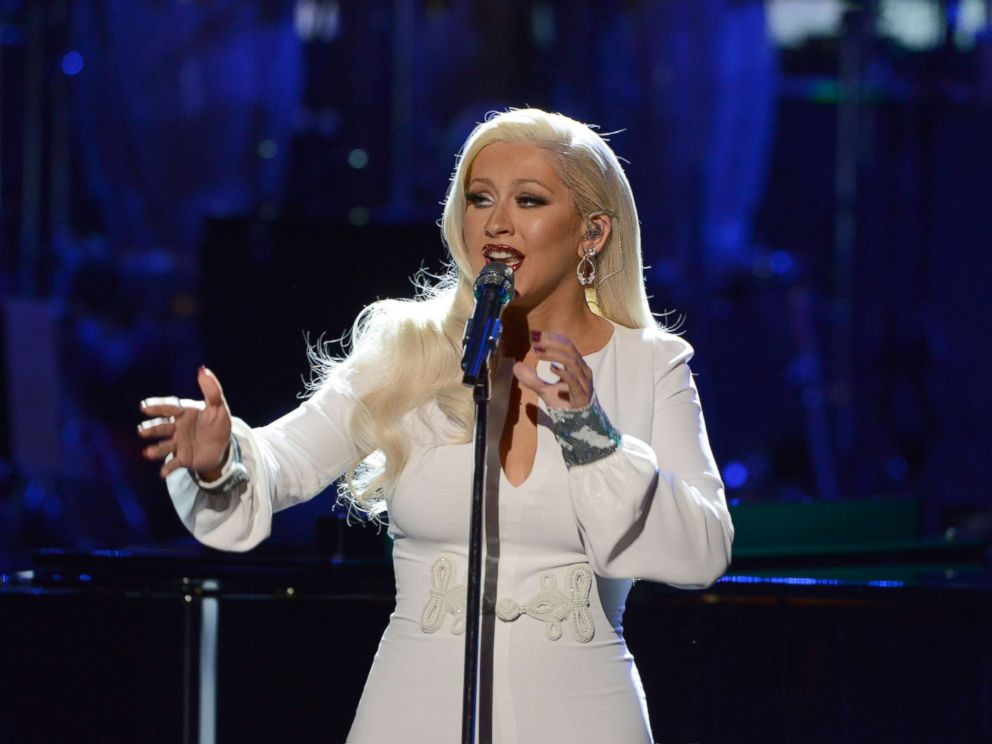 PHOTO: Christina Aguilera performs at the Kennedy Center in Washington DC, Sept. 23, 2016.