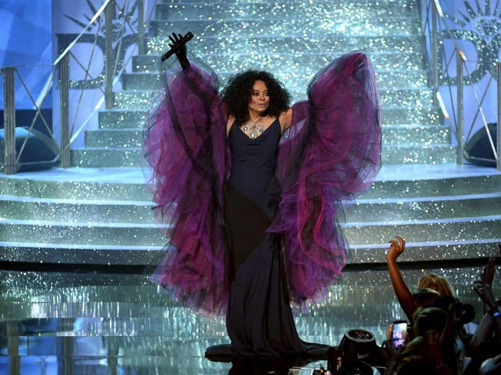 PHOTO: Honoree Diana Ross performs onstage during the 2017 American Music Awards at Microsoft Theater, Nov. 19, 2017, in Los Angeles.