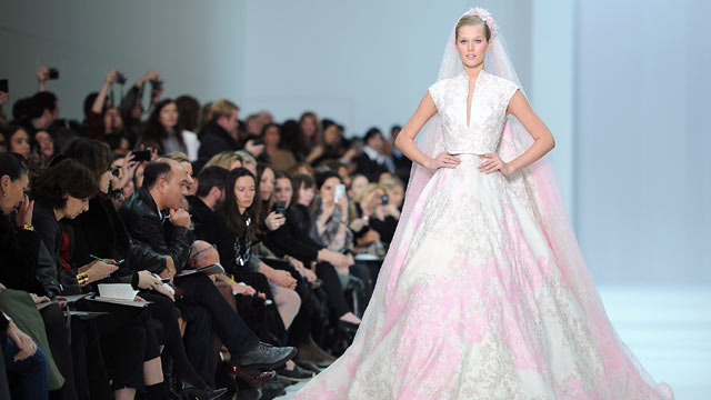 Extreme Wedding Dresses Top 5 Bridal Trends Abc News