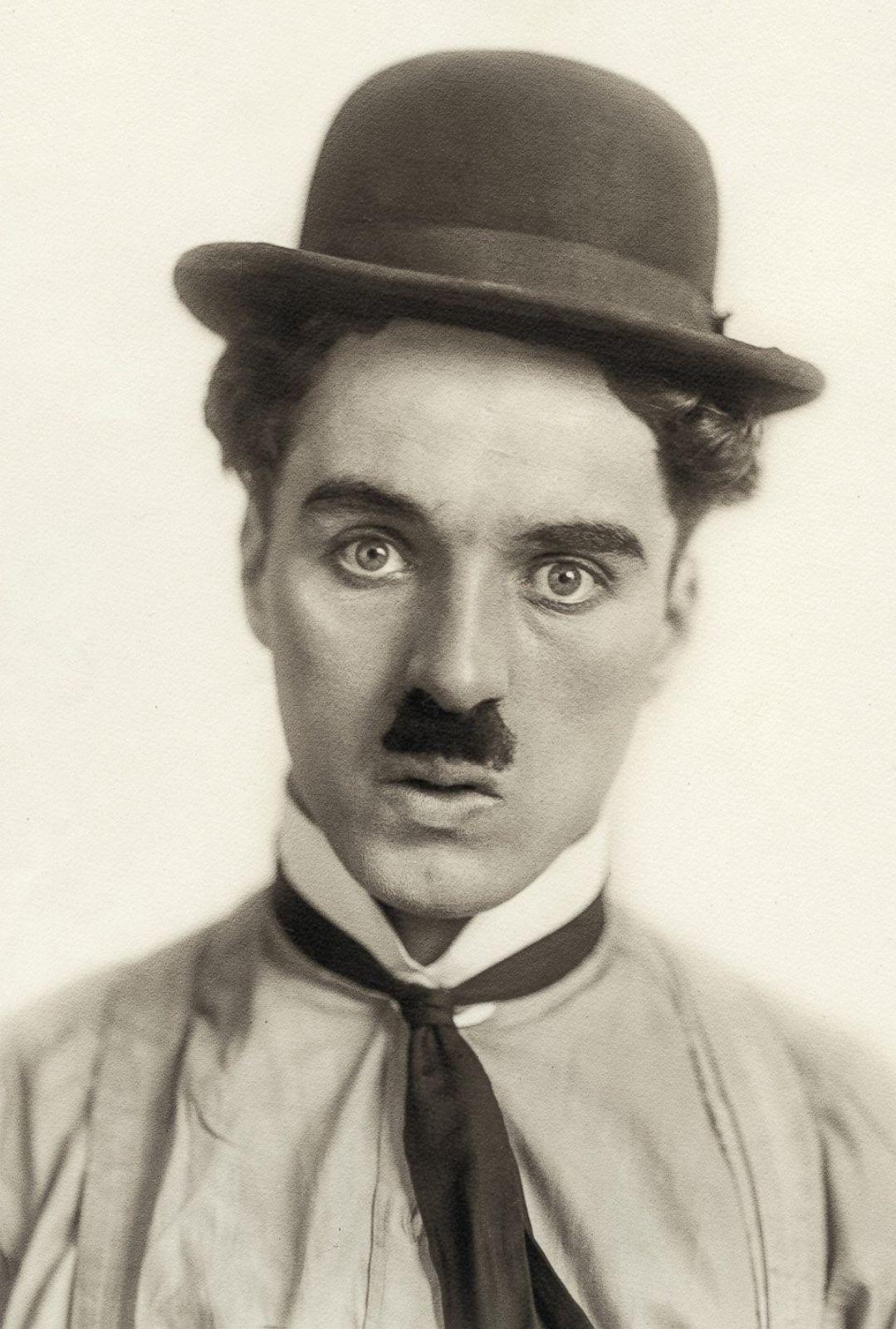 Charlie Chaplin film Modern Times Essay
