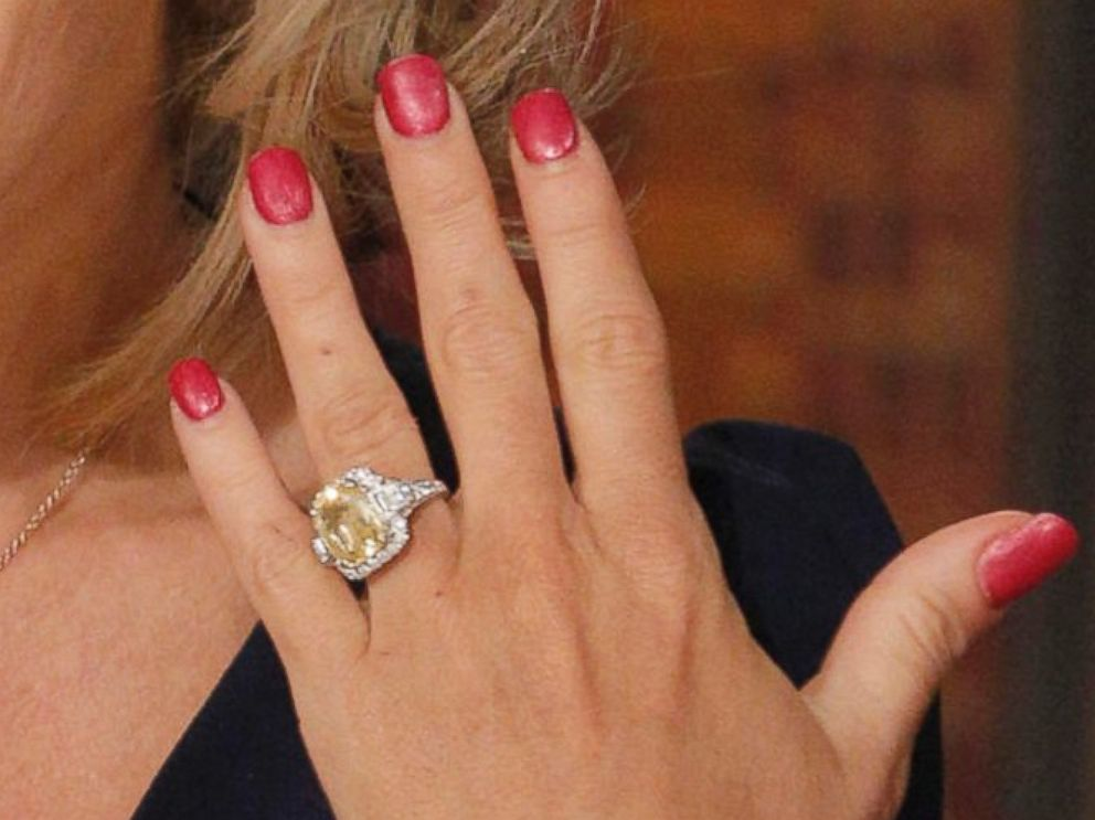 Donnie Wahlberg Helped Design Jenny Mccarthy S 10 Carat