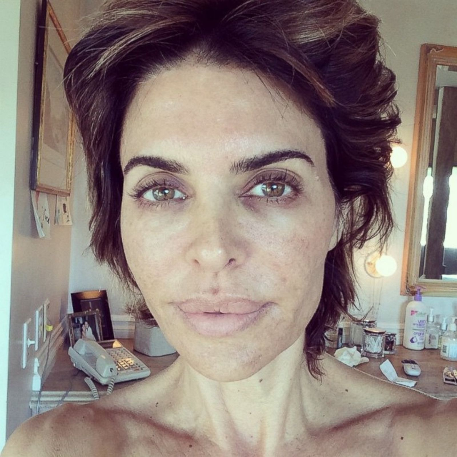 Lisa Rinna Goes Without Makeup Picture Celebrities Abc News