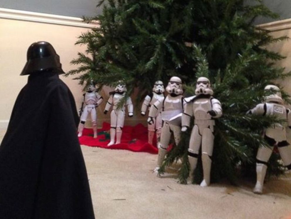 Family Uses 'Star Wars' Stormtroopers To Help Decorate For
