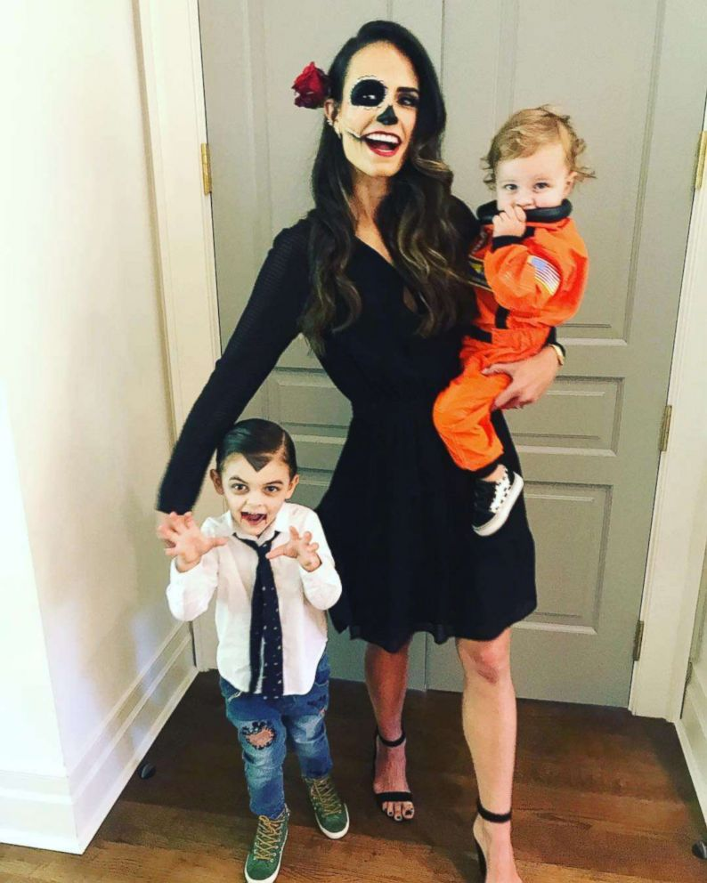 PHOTO: Jordana Brewster with her two young kids dressed as a vampire and an astronaut.