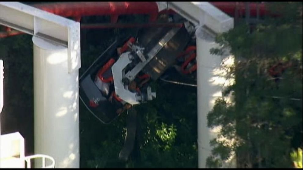 Roller Coaster Derails at California's Six Flags Magic ...