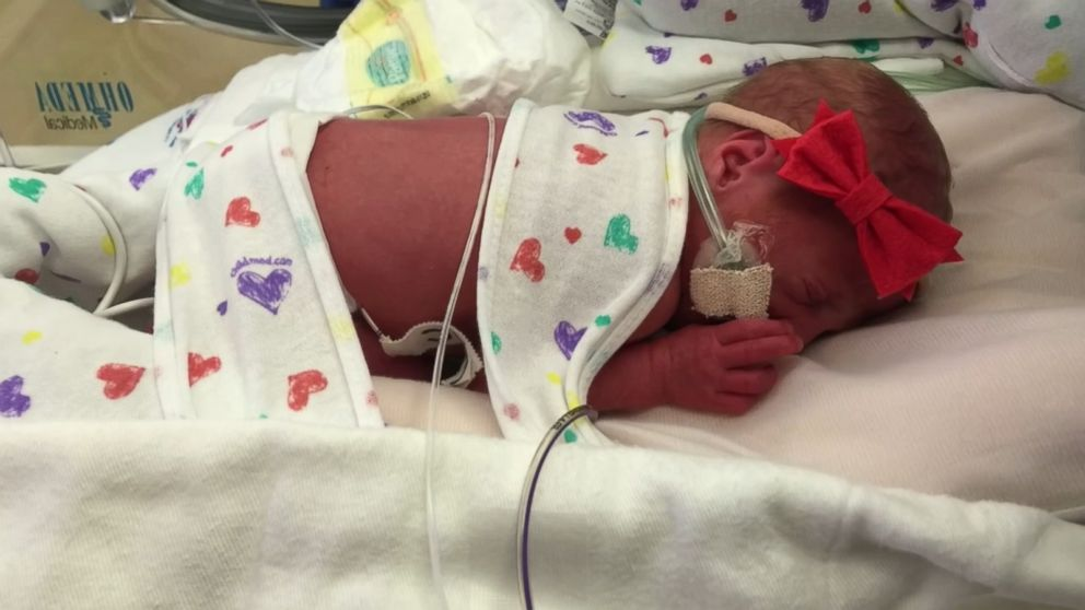 Parents Introduce Newborn All-Female Quintuplets to the ...